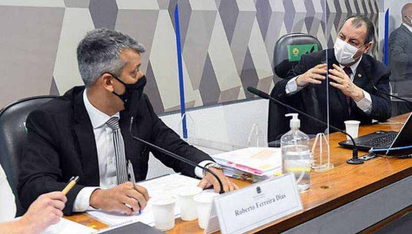 Roberto Dias sai preso da CPI da Covid