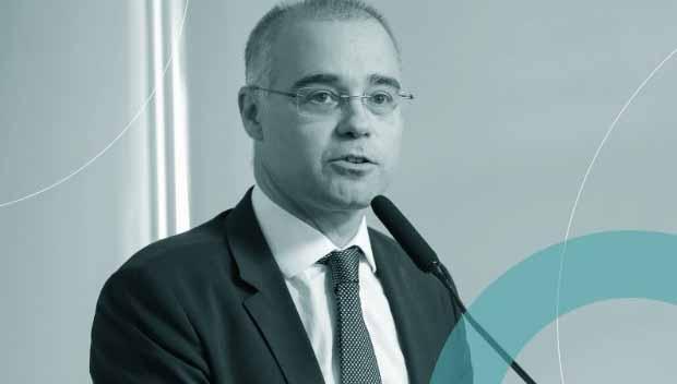 Bolsonaro tem obstrução intestinal