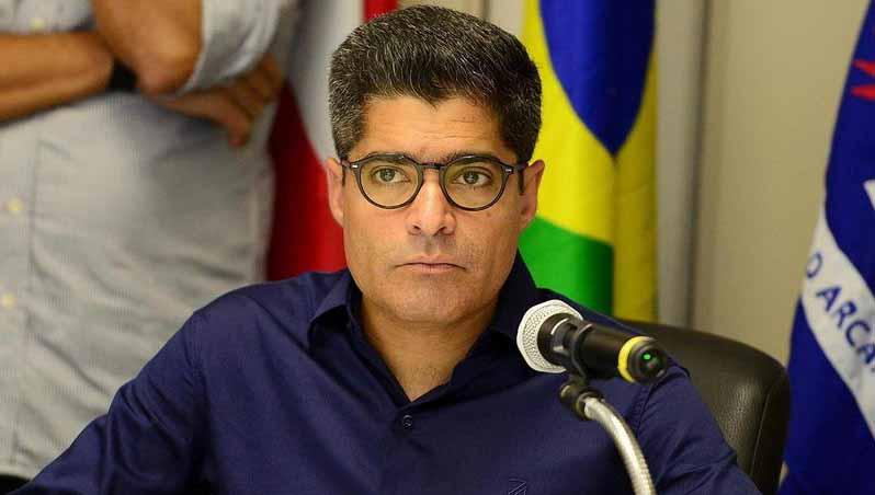 ACM Neto desmente acordo com Bolsonaro