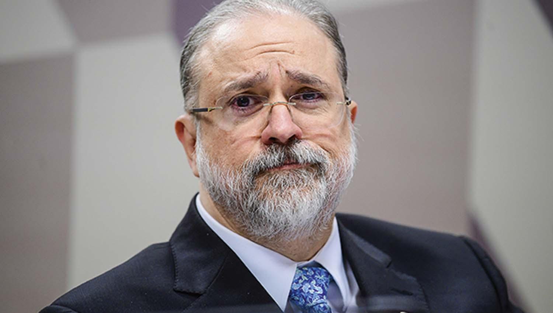 PGR opina contra prisão de Roberto Jefferson