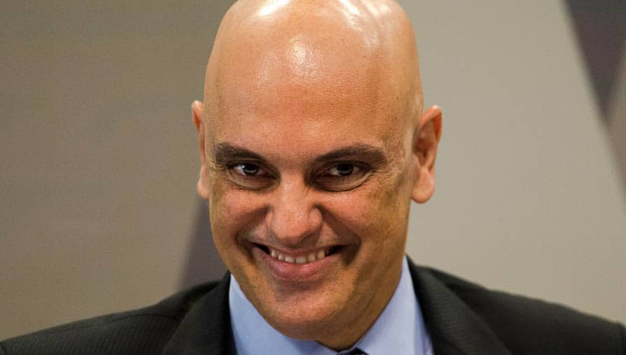 Moraes será relator de denúncia contra Aras