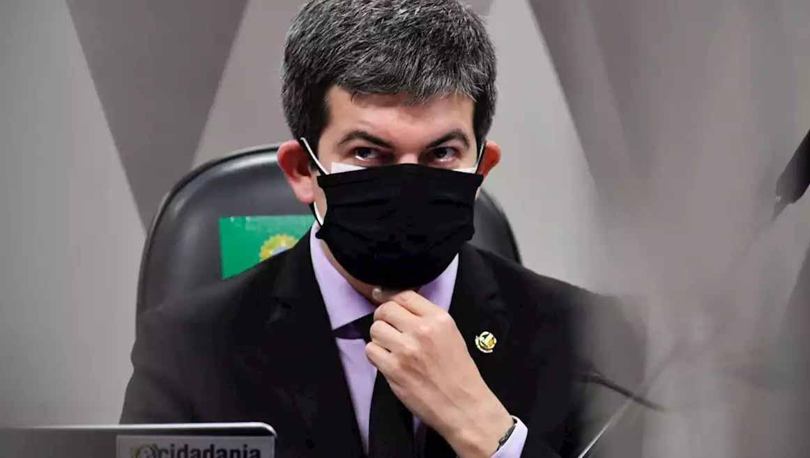 Randolfe Rodrigues expulsa deputado bolsonarista