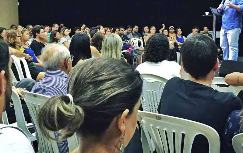 Grupos evangélicos batistas condenam golpismo