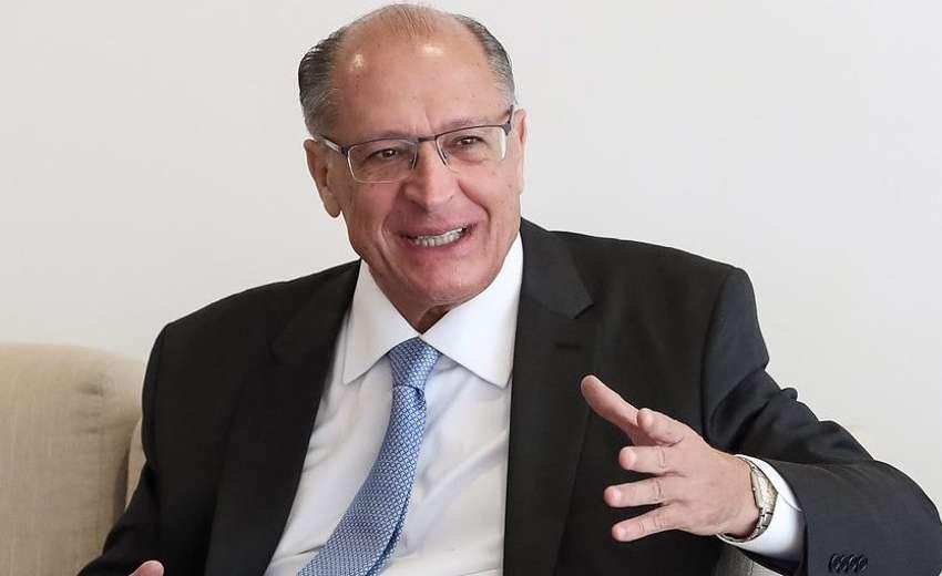 Alckmin quer frente ampla com trabalhistas