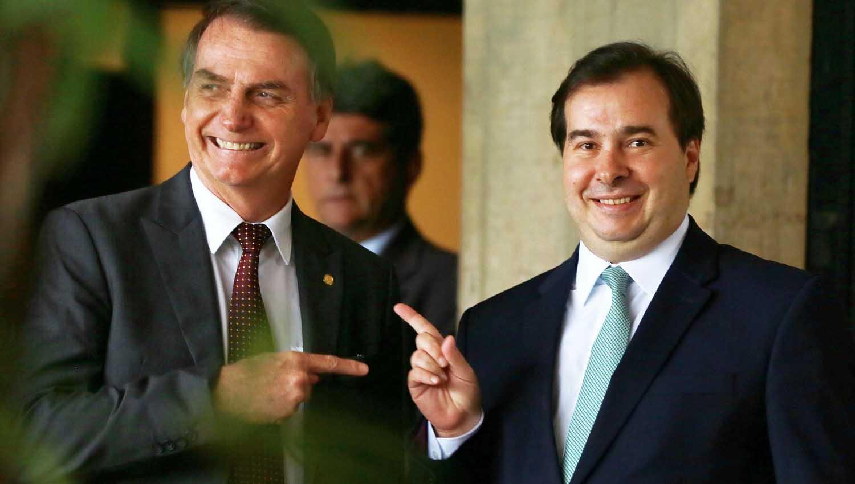 Rodrigo Maia diz que Bolsonaro é gay