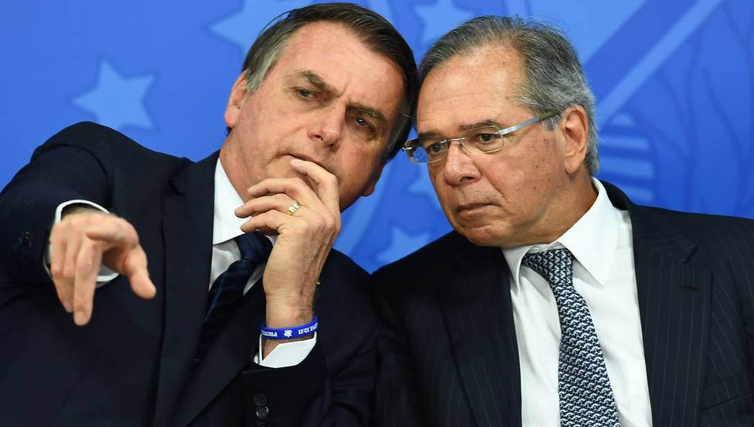 Governo Bolsonaro reduz verba para vacinas
