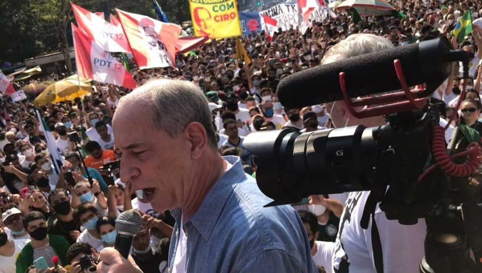 Ciro Gomes convoca PT para aderir aos atos contra Bolsonaro
