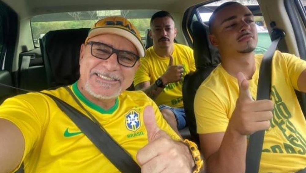 Fabrício Queiroz vai às ruas em apoio a Bolsonaro