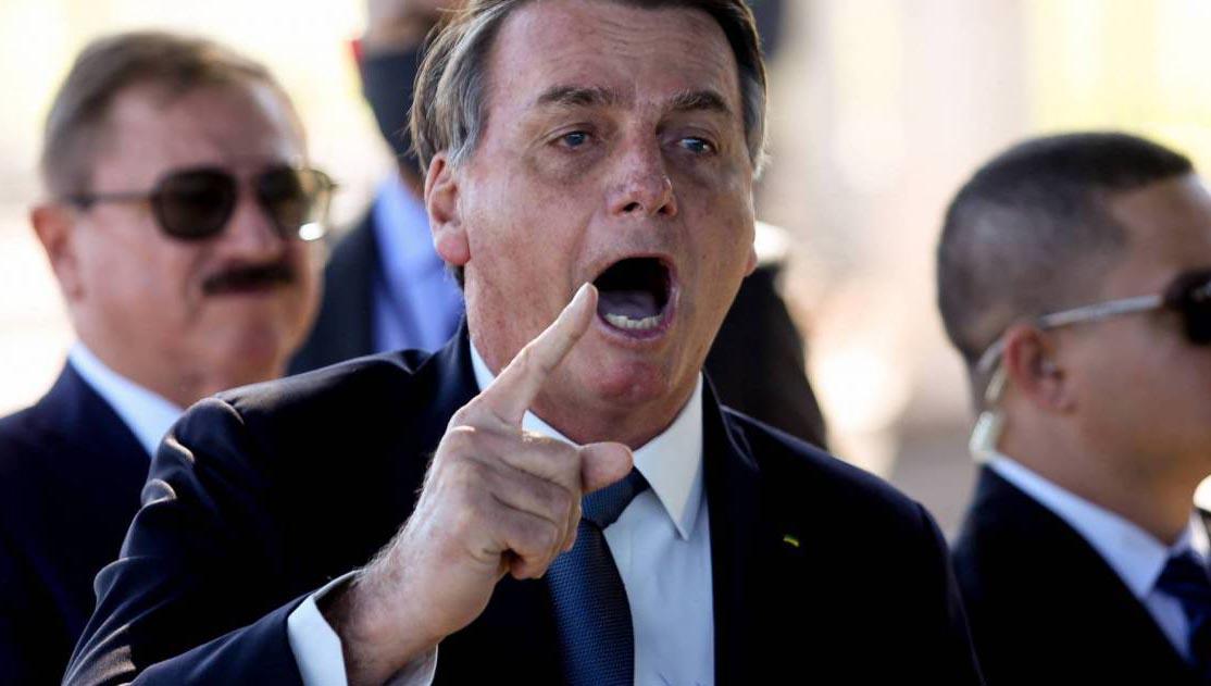 Bolsonaro incita apoiadores