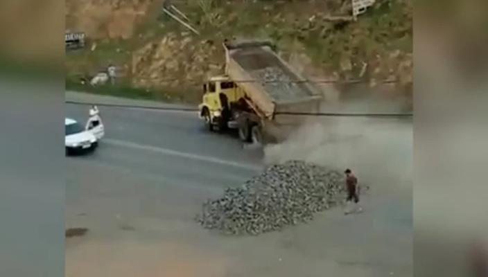 Caminhoneiros bolsonaristas fecham rodovias