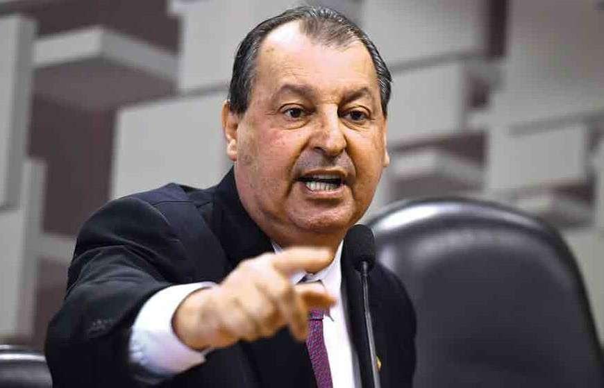 Aziz condena vazamento de relatório da CPI
