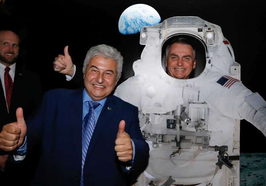 Bolsonaro e Guedes extinguem Ciência